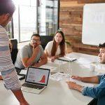 Equipe de Marketing: Devo terceirizar uma agência ou contratar equipe interna (in house)?